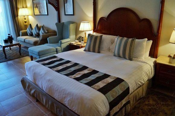 A escolha dos móveis deve ser baseada no tamanho do quarto (Foto Ilustrativa)