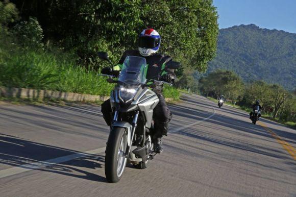 A moto crossover da Honda ganhou várias novidades (Foto: Divulgação Honda)