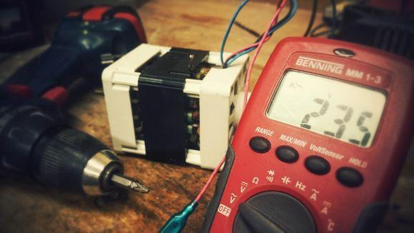 Um dos cursos abertos é o de Eletricista Industrial (Foto Ilustrativa)