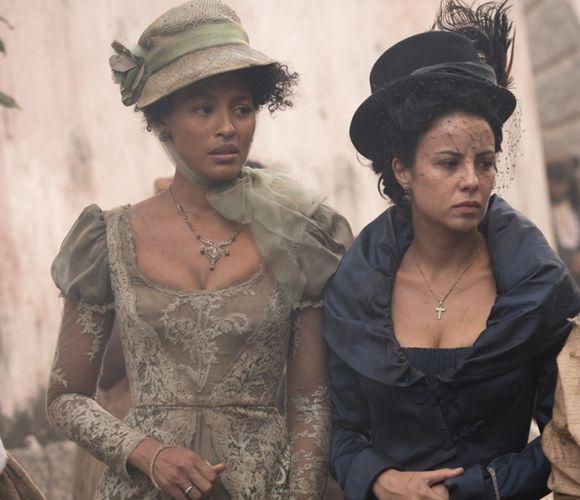 As atrizes Sheron Menezes e Andreia Horta em cena da nova novela das 11 (Foto: Divulgação GShow)
