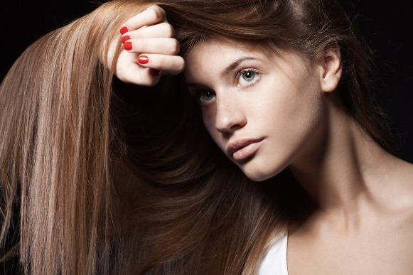 Com dicas caseiras, é possível estimular o crescimento do cabelo. (Foto Ilustrativa)