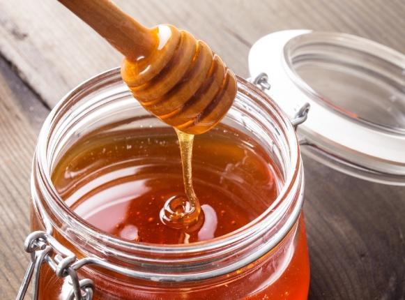 O mel é um ingrediente muito usado no preparo das máscaras. (Foto Ilustrativa)