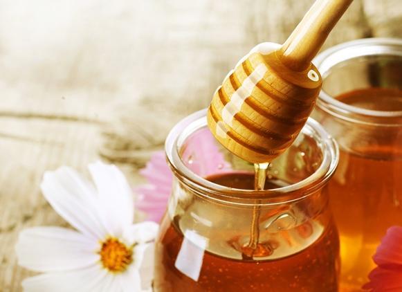 O mel é um ótimo ingrediente para a hidratação. (Foto Ilustrativa)