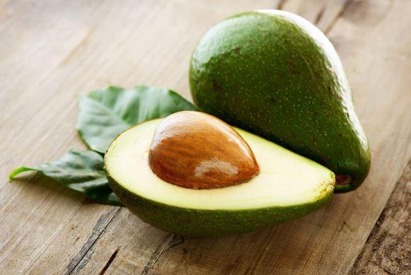 O abacate tem propriedades hidratantes. (Foto Ilustrativa)