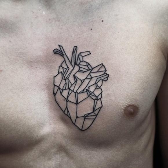 Tatuagem masculina geométrica. (Foto: Reprodução/ Thisistattoo)