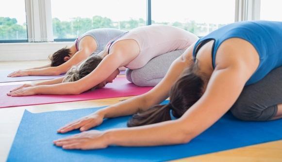 A prática de yoga torna o corpo mais flexível. (Foto Ilustrativa)