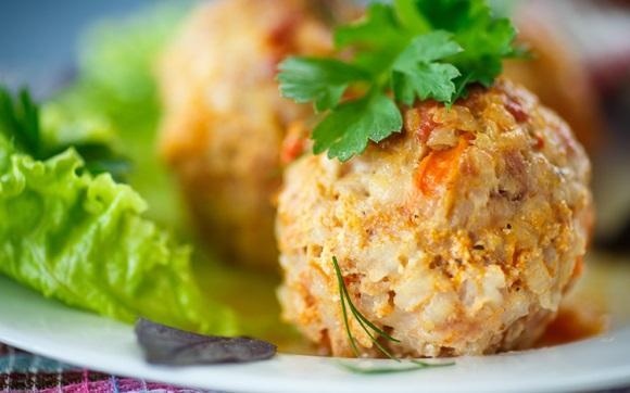 O bolinho de arroz também pode ser assado. (Foto Ilustrativa)
