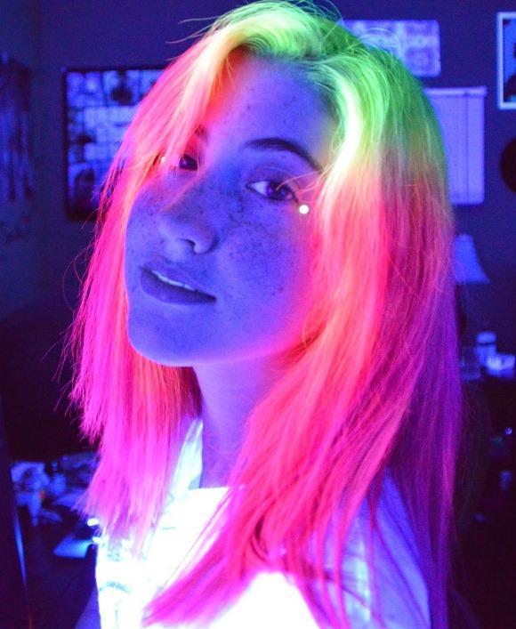 A tinta fluorescente é importada. (Foto: Reprodução/Instagram)