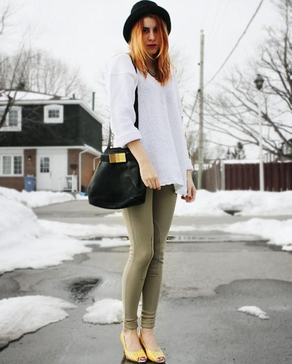 Calça montaria com suéter. (Foto: Reprodução/Lookbook.nu)
