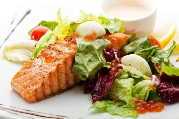 Uma boa dieta não limita tanto o número de calorias. (Foto Ilustrativa)