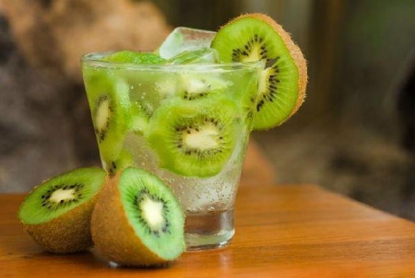 Caipira de kiwi com mel (Foto: Divulgação)