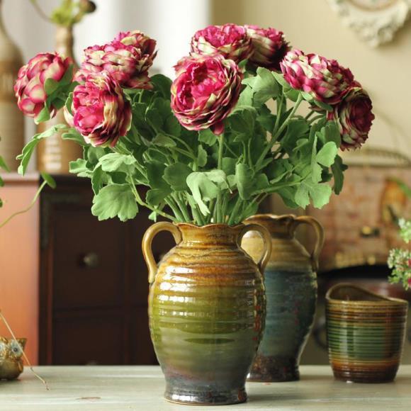 Deixe o arranjo bem completo, misturando flores e folhas. (Foto: Reprodução/dhgate)