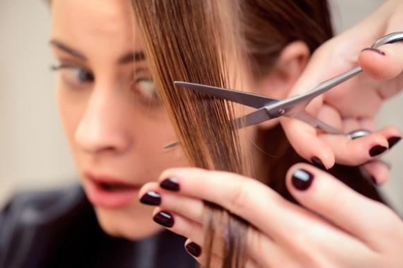 Deixe o cabelo com mais movimento fazendo um corte em camadas. (Foto Ilustrativa)