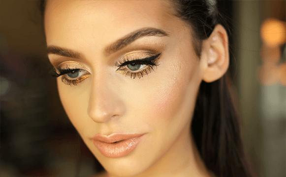 A maquiagem dourada é sofisticada e glamorosa. (Foto: Reprodução/Thebeautybybel)