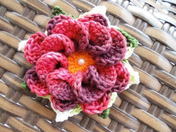Flor de crochê caracol. (Foto: Reprodução/Elo7)