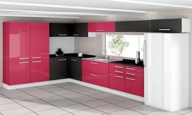 Cozinha planejada colorida e pequena podem te ajudar a ter mais diferenciais (Foto: Divulgação)