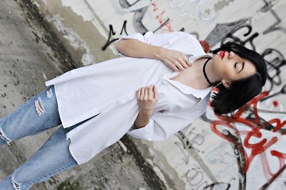 Calça branca + jeans. (Foto: Reprodução/Lookbook.nu)