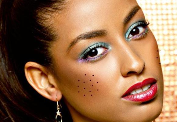 Maquiagem de festa junina com cores vibrantes. (Foto Ilustrativa)