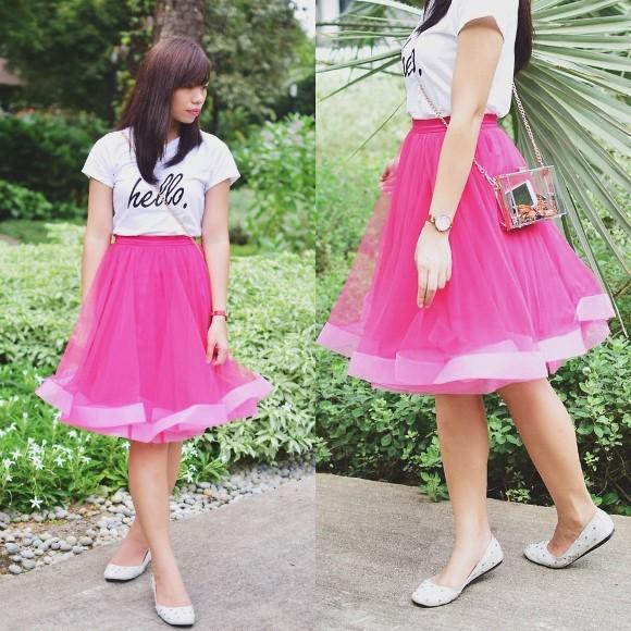 Saia de tule pink e sapatilha. (Foto: Reprodução/Lookbook.nu)