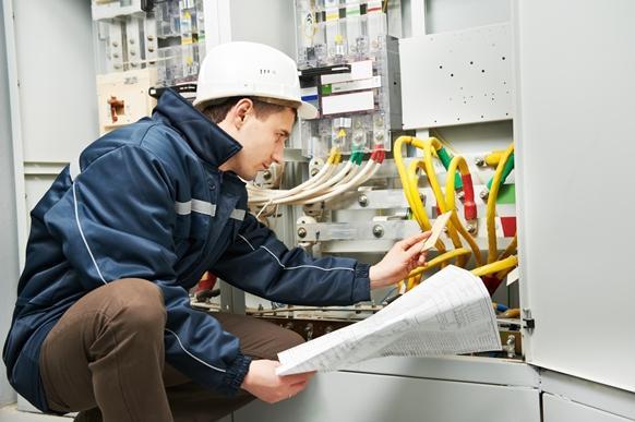 O curso de eletricista industrial é uma opção. (Foto Ilustrativa)