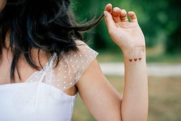 Small tattoo de coração. (Foto: Reprodução/Tattoosme)