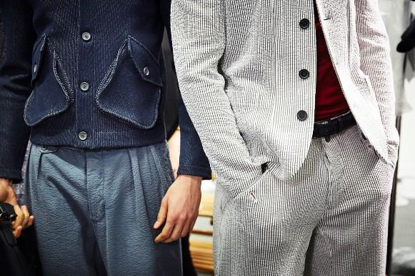 Looks elegantes e ao mesmo tempo modernos. (Foto: Reprodução/Wmagazine)