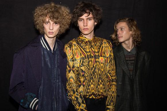 Camisa de seda masculina. (Foto: Reprodução/Wmagazine)