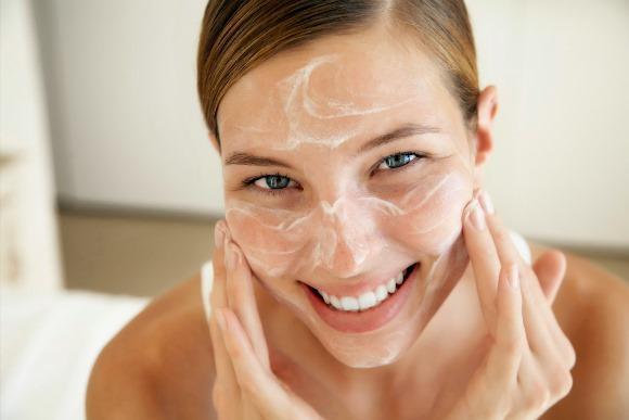 Aplique máscaras caseiras contra cravos. (Foto Ilustrativa)