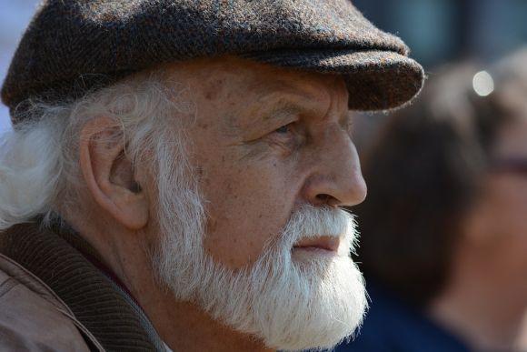 Repare nos contornos bem feitos desta barba (Foto Ilustrativa)