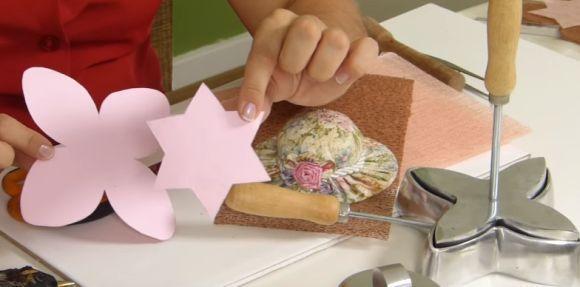 Os moldes podem ser feitos por você mesmo ou baixados da internet (Foto: Reprodução YouTube)