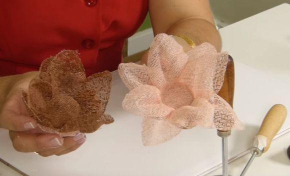 Dois exemplos de forminhas para doces (Foto: Reprodução YouTube)