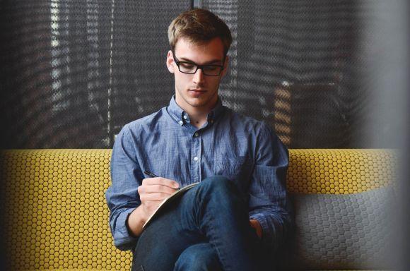 Entre as várias opções de cursos FIC, há também o de Empreendedorismo (Foto Ilustrativa)
