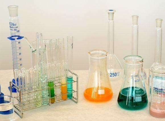 Um dos destaques é o curso de Técnico em Química (Foto Ilustrativa)