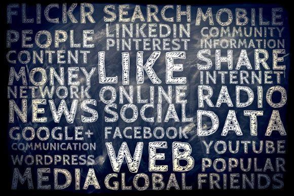 Em um dos cursos, os participantes adquirem conhecimentos sobre o uso das redes sociais (Foto Ilustrativa)