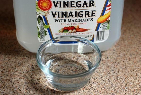 O vinagre ajuda a eliminar as manchas de tinta de cabelo (Foto Ilustrativa)