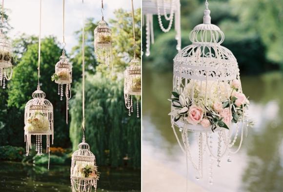 Flores suspensas na decoração. (Foto: Reprodução/Noiva Esposa Mãe)