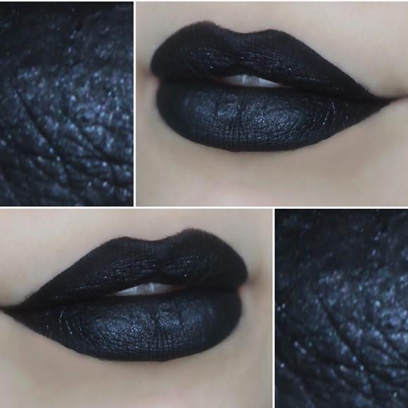 O batom Cisne Negro deixa a boca vampiresca. (Foto: Reprodução/T.Blog Shop)