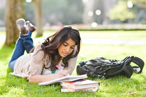 Veja como garantir sua bolsa com o Educa Mais Brasil. (Foto Ilustrativa)