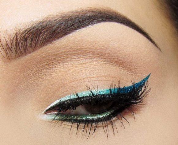 Maquiagem com delineado duplo. (Foto: Reprodução/Polyana Martins)