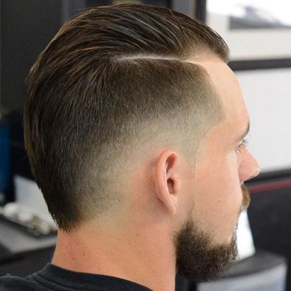 No Razor Part, a divisão do couro cabeludo é feita com uma navalha. (Foto: Reprodução/ therighthairstyles)