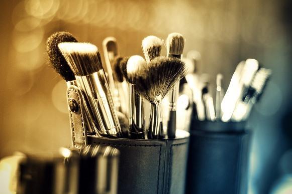 Os produtos de maquiagem também merecem atenção. (Foto Ilustrativa)