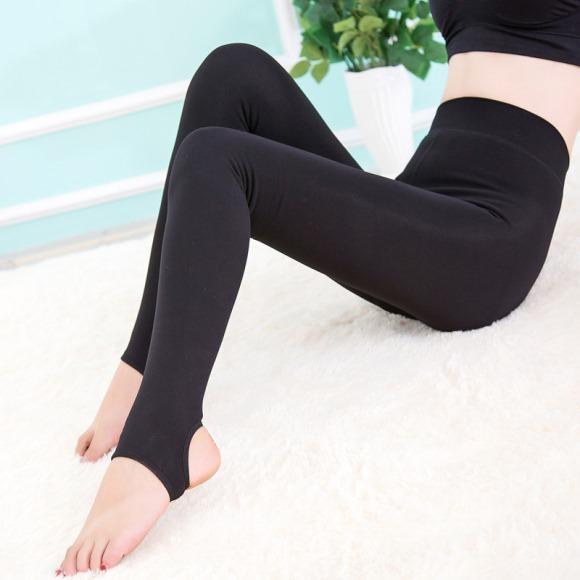 Esse modelo de calça fez muito sucesso nos anos 90. (Foto: Reprodução/Aliexpress)