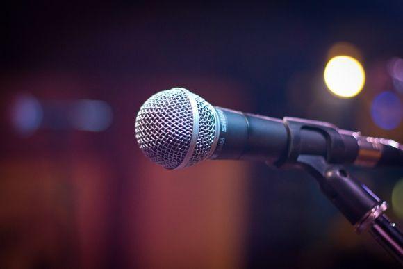 Tem medo de falar em público? O curso de Oratória da Anhanguera pode te ajudar (Foto Ilustrativa)
