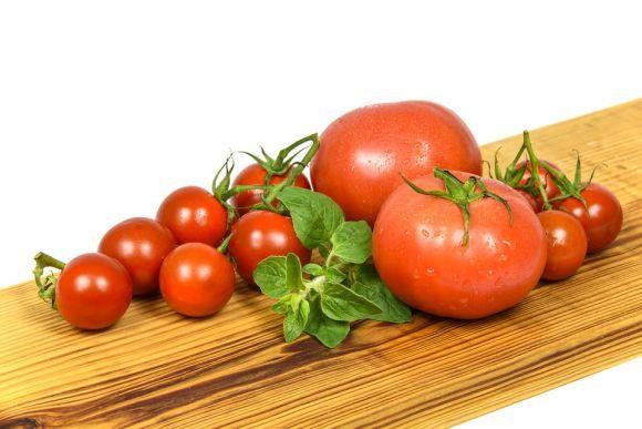 Os produtos à base de tomate são utilizados em diferentes pratos (Foto Ilustrativa)