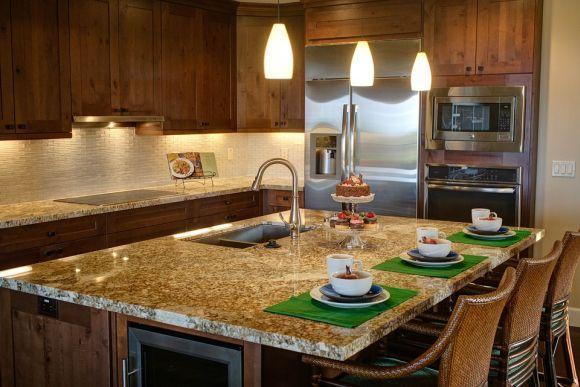 Os móveis funcionais, como essa bancada, são ótimos para qualquer cozinha (Foto Ilustrativa)