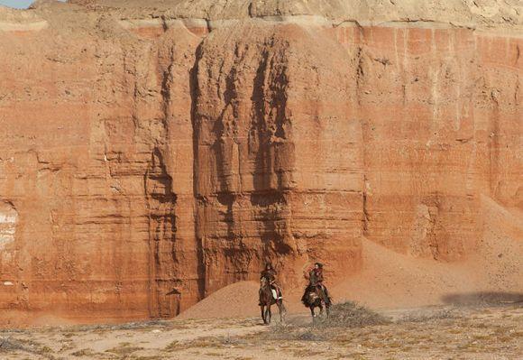 A primeira batalha de Josué acontece na Muralha de Jericó (Foto: Divulgação Record)