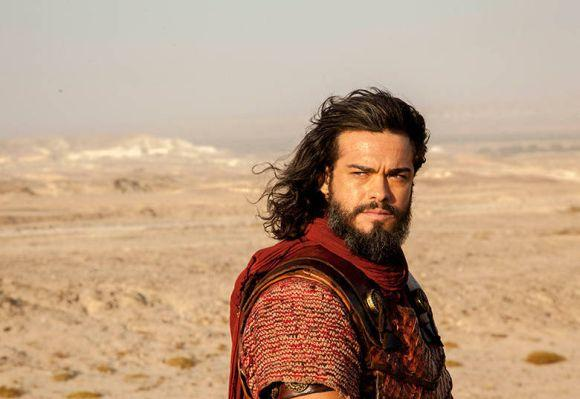 Sidney Sampaio interpreta o guerreiro Josué (Foto: Divulgação Record)