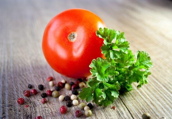 O tomate é uma das boas fontes de vitamina A, assim como a cenoura (Foto Ilustrativa)