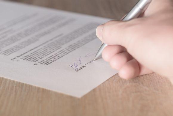 Antes de assinar o contrato de compra da casa própria, você deve pesar as vantagens e as desvantagens do programa (Foto Ilustrativa)