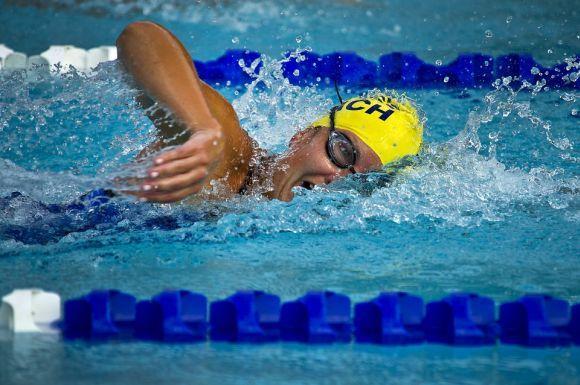 Aulas de natação gratuitas na Rede Cuca estão disponíveis (Foto Ilustrativa)